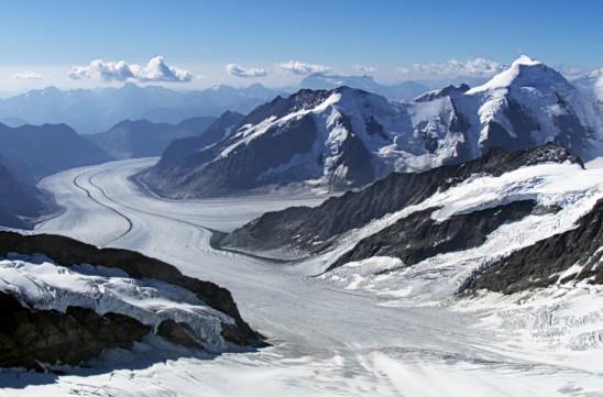 Sendungsbild: Die Schweiz von oben – Vom Zauber der Alpenrepublik