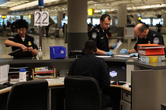Sendungsbild: Flughafen New York – Kampf den Schmugglern