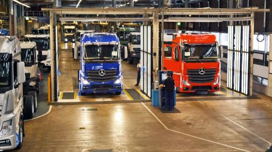 Sendungsbild: Lastwagen im Minutentakt – Das größte LKW-Werk der Welt