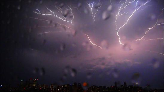 Sendungsbild: Klima extrem – Grenzenlose Verwüstung