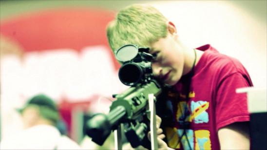 Sendungsbild: Tödliche Faszination: Eine Reise in die Welt der Schusswaffen