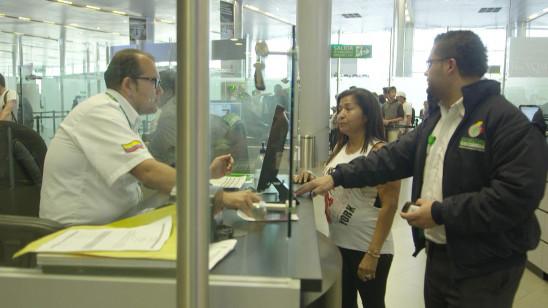 Sendungsbild: Drehkreuz des Drogenschmuggels – Flughafen Kolumbien